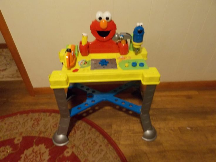 Sesame Street Elmo Sing & Giggle Tool Workbench By Fisher Price Ages 18 Months +