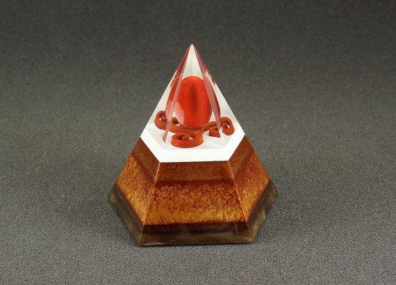 Pentagonal orgonite pyramid - Agate