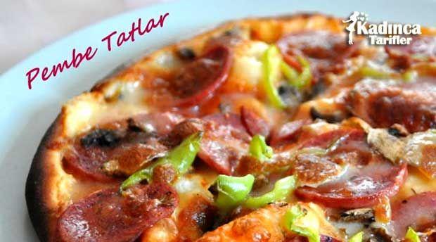 Klasik Pizza Tarifi nasıl yapılır? Klasik Pizza Tarifi'nin malzemeleri, resimli anlatımı ve yapılışı için tıklayın. Yazar: Pembe Tatlar