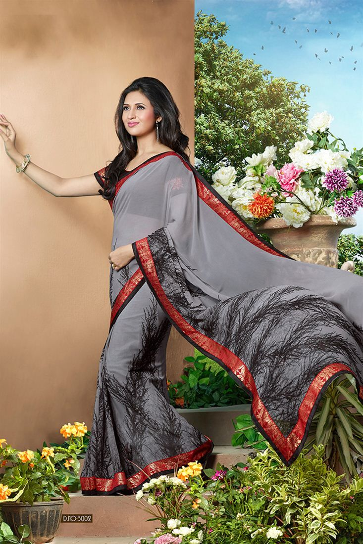Divyanka Tripathi Grey Color Printed Saree