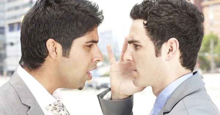 Como controlar pessoas com comportamento passivo-agressivo. Pessoas passivo-agressivas usam táticas de manipulação para conseguir o que precisam ou desejam. Muitas vezes, elas tentam controlar e impor culpa ou punir outras pessoas indiretamente. Aqueles que sofrem de transtorno de personalidade passivo-agressivo são muitas vezes irritáveis, ressentidos, culpam os outros pelos seus problemas, sentem que as ...