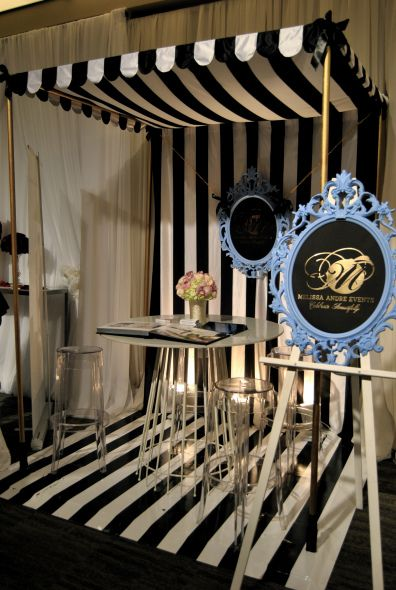 Love awning: Black/White Booth