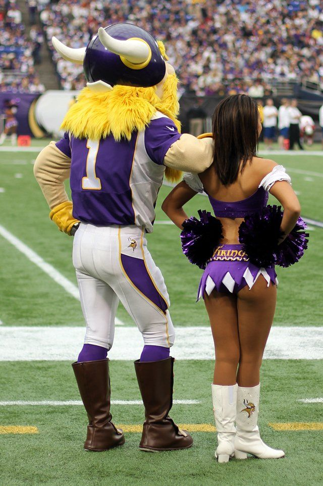 Past Viking Cheerleaders | rule 40 if it seems someone is out to get you they are