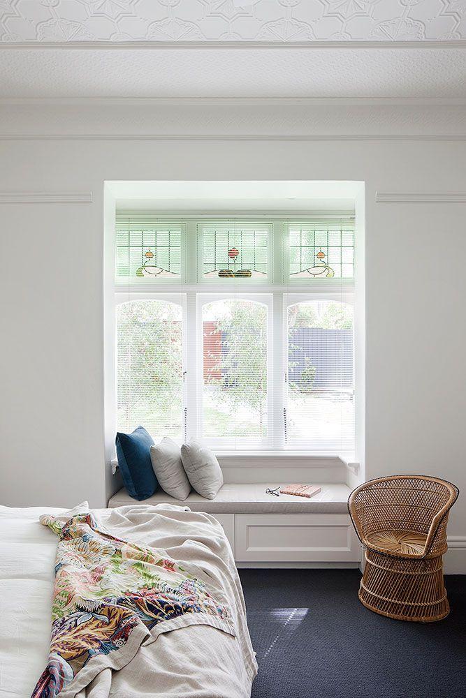 Cozy reading nook in the bedroom//