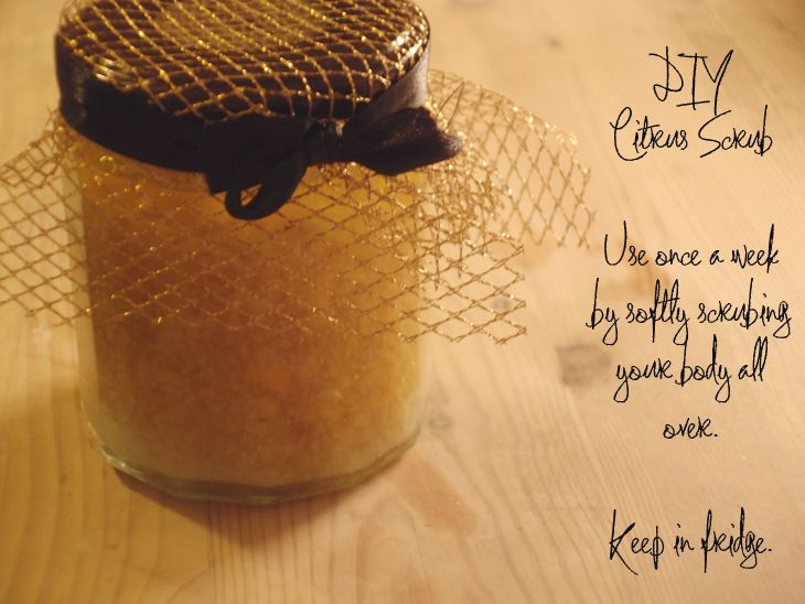Add zest to your beauty routine with this DIY Citrus Body Scrub (Clones N Clowns)