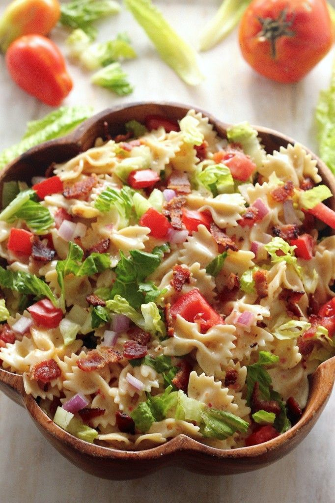20-Minute BLT Pasta Salad - easy, flavorful, and sure to please the whole family!!!