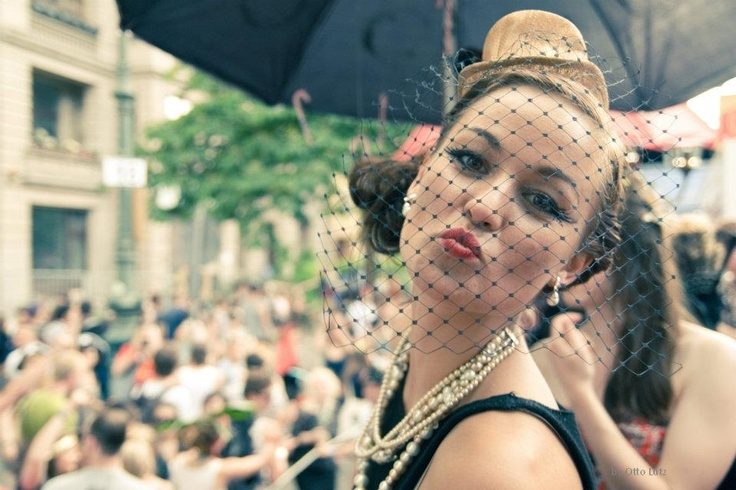 Electro Swing Club : Karnaval der Kulturen (Berlin) with Dirty Honkers and Alle Farben by Otto Lutz : http://www.ottolutz.de/