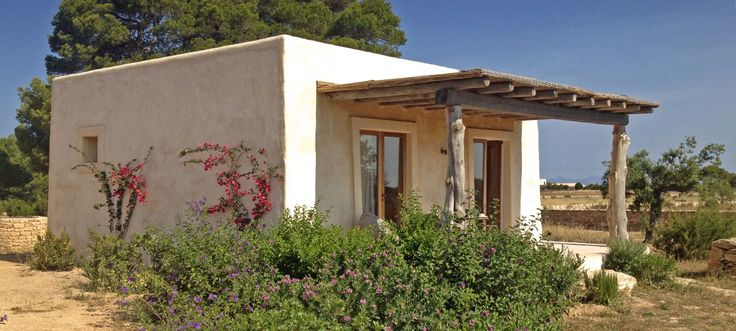 Casita La Paz is located in Porto Saler amongst olive trees & shrubs making this formentera casita and surrounding area an oasis of peace & quiet.