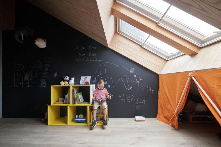 Un appartement lumineux avec mezzanine par Hao Design