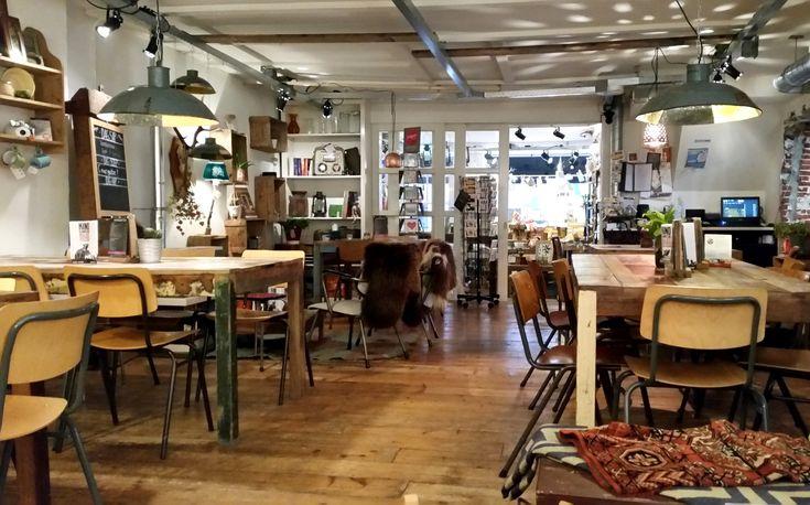 Bij Wadapartja in Groningen kun je terecht voor een heerlijk ontbijt, lunch of diner of gewoon een drankje met iets lekkers, maar je kunt hier ook shoppen voor mooie en unieke producten.