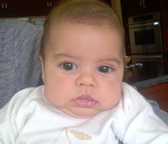 """Shakira comparte en redes sociales otra foto de su hijo, Milan: """"Juré que nunca lo haría y ahora soy una de esas mamás que no para de mostrar fotos de su bebé"""""""