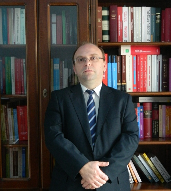 Interview: Conf. Dr. Florin Streteanu - Dean of The BBU Faculty of Law  @ http://www.lawyr.it/index.php/interviews/item/225-interview-conf-dr-florin-streteanu-dean-of-the-bbu-faculty-of-law