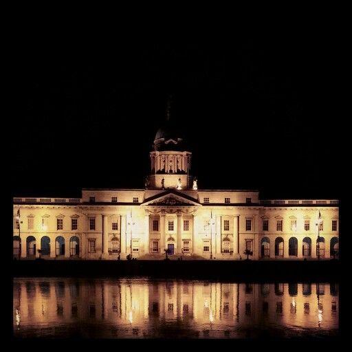 Dublin,  Ireland,  Customs House st night.
