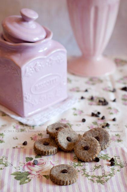 Biscotti senza zucchero al grano saraceno, banana ed un pizzico di cioccolato