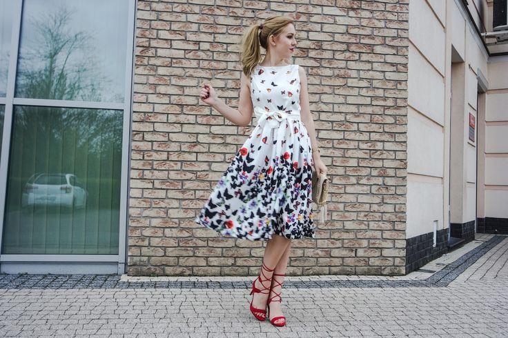 sukienka midi, midi dress, red shoes, czerwone sandałki, czerwone szpilki, badura,