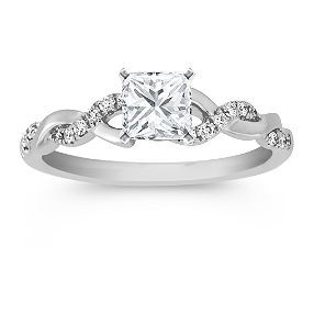Engagement Ring !