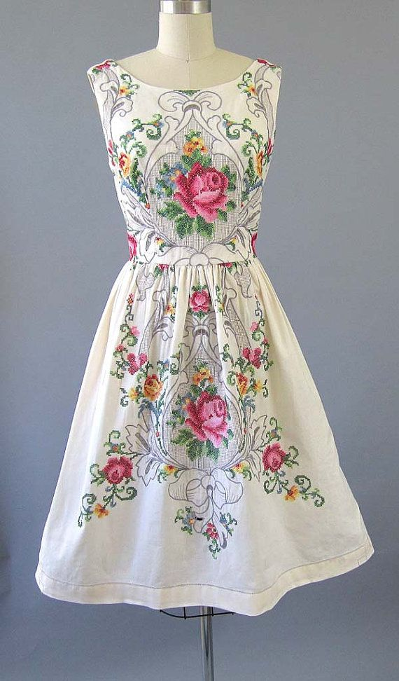 Vintage 1950s rose garden cutwork cross stitch lace detail party dress
