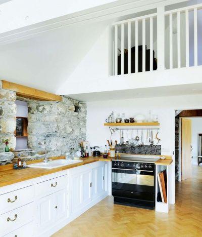 Leachachan Barn kitchen area