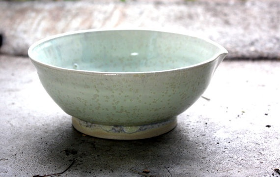 Stonware bowl with spout