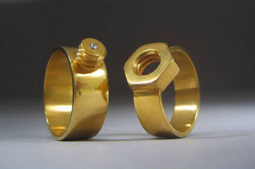 Болт и гайка — свадебные кольца