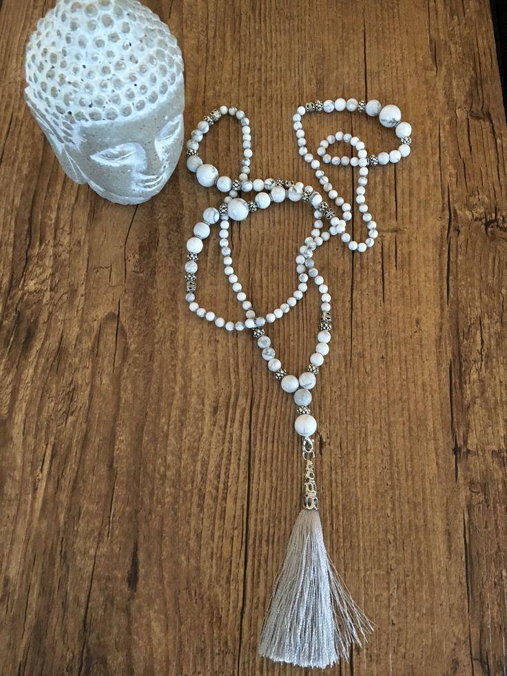 Le chouchou de ma boutique https://www.etsy.com/ca-fr/listing/558727912/collier-dancrage-avec-108-perles-de