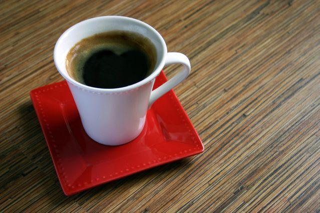 Herkese 😇 merhaba. Siz de kahveyi seviyor ancak iyi olup olmadığına karar veremiyorsanız sizi www.bumesele.com' a bekleriz. Kahveli, keyifli, huzurlu günler dilerim. #kahve #yararları #kahveninyararları #kahveninfaydaları #kahvekeyfi #kahvefincanı #kahveaşkı #bunama #demans #risk #alzheimer #çözüm #faydalıbilgiler