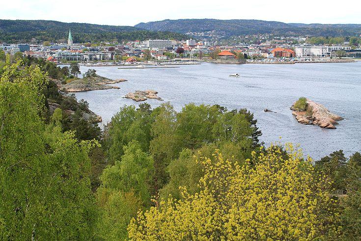 Estoy escribiendo desde Noruega, concretamente desde la ciudad de Kristiansand. Llegué deBarcelona para pasar unos días por aquí conociendo esta linda zona del sur del país. Algunos recordaréis qu…