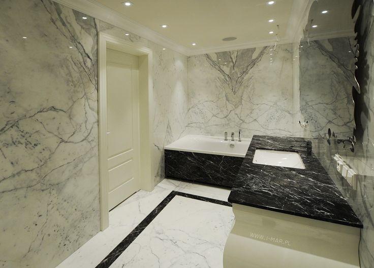 @imarpolska Przedsiębiorstwo Kamieniarskie: Ta stylowa łazienka wykonana została z marmuru Bianco Statuario. /// This stylish bathroom is made of marble #BiancoStatuario.