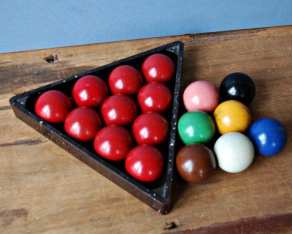 Vintage complete set of snooker balls with triangular rack