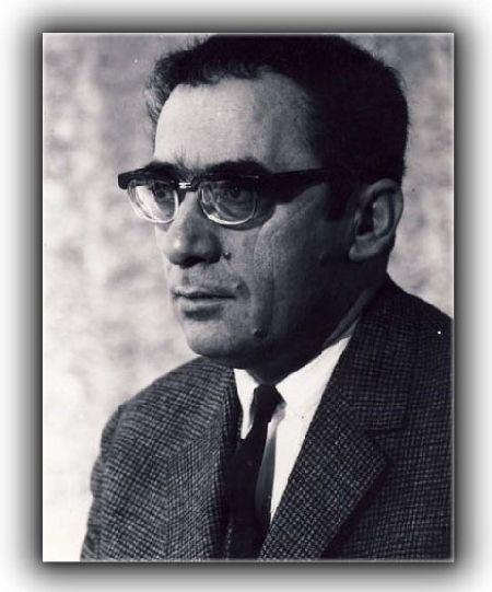 "Marin Preda (1922 - 1980) - scriitor roman  http://www.radioromaniacultural.ro/marin_preda_despre_romanul_intrusul_publicat_in_anul_1968-9787  ""Ascultă Vocea"" -  Marin Preda despre romanul ""Intrusul"", publicat în anul 1968.   Vezi si: http://www.radioromaniacultural.ro/RadioRomaniaCultural/asculta_vocea/45"