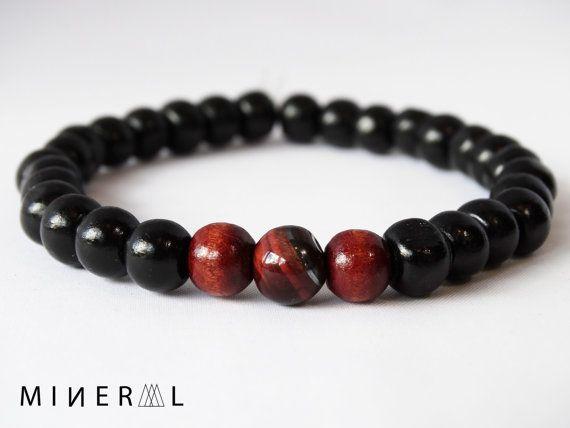 Bracelet pour homme en billes de bois et pierres par MNRL sur Etsy