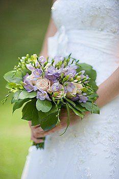 Wedding bouquet of light purple freesia and peach roses/ svadobna kytica z frezii a ruzi