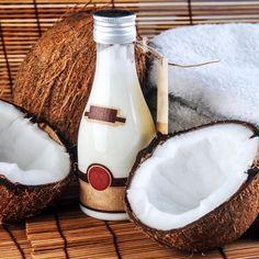 DIY-Rezept für selbst gemachte Kokosöl Lotion gegen Cellulite mit nur 4 Zutaten - wirkt straffend und schenkt Feuchtigkeit ...