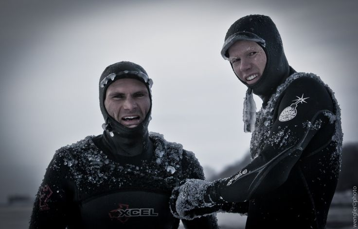 Bunkers Surf Denamrk....check out the frozen bits on they hoods/suit ! Photo by Rip'n Snap - Surf Photos - Magicseaweed.com