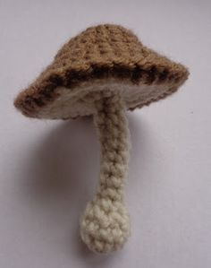 FREE crochet pattern for a Fantastic Fungus amigurumi by NyanPon.com.