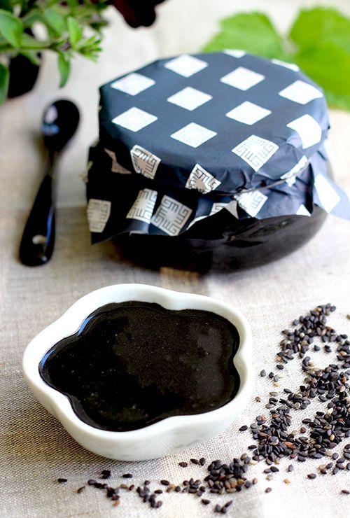 Homemade Black Sesame Paste  300g organic, black sesame seeds  3-4 tablespoons native sesame- or canola oil  Pinch Himalaya salt