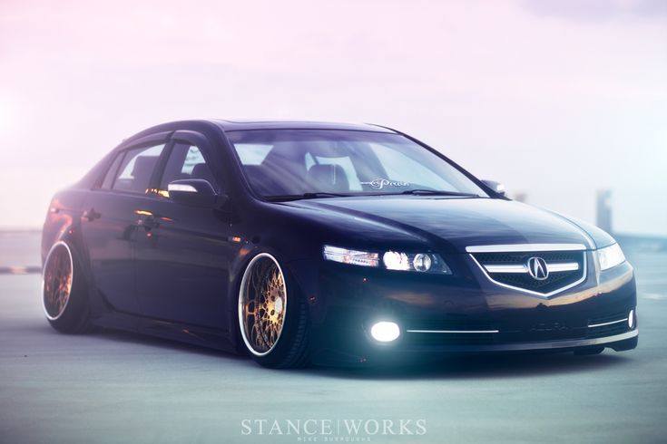 Acura TL. Black on Gold.