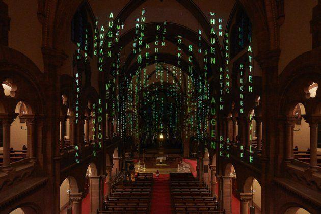 Lichtinstallation in der Johanneskirche Freiburg: André Bless - Lightfall | subculture Freiburg