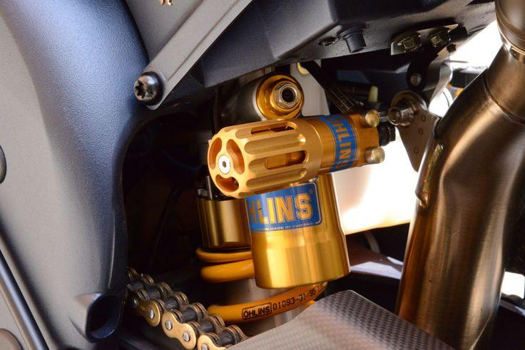 Yamaha R1 SP Öhlins rear shock details
