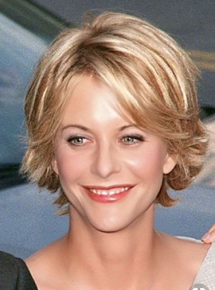 Meg Ryan and her cute hairstyle! She wears it well!