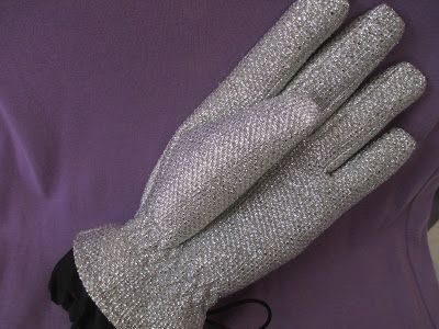 Whats Inside Your Beauty Bag?: Scott-Vincent Cosmetic Tool Cleansing Glove