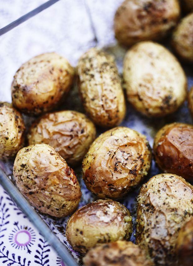 Bagte kartofler en nem og lækker måde at servere kartofler på, og er samtidig meget velsmagende.