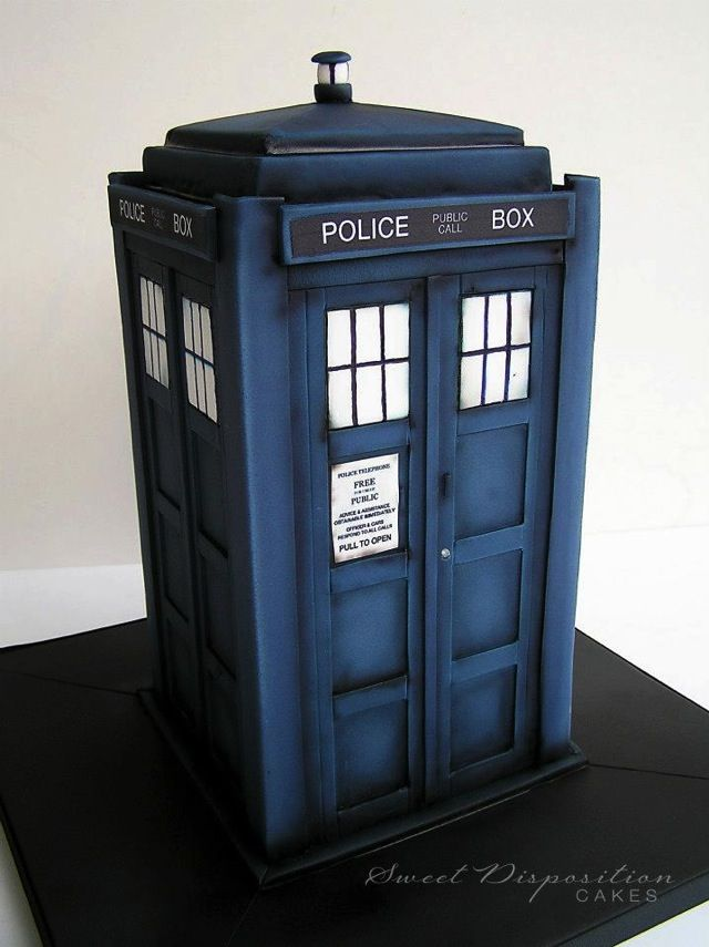Blue Tardis Cake | Cakes. The detail of this Doctor Who cake is awesome. The TARDIS ...
