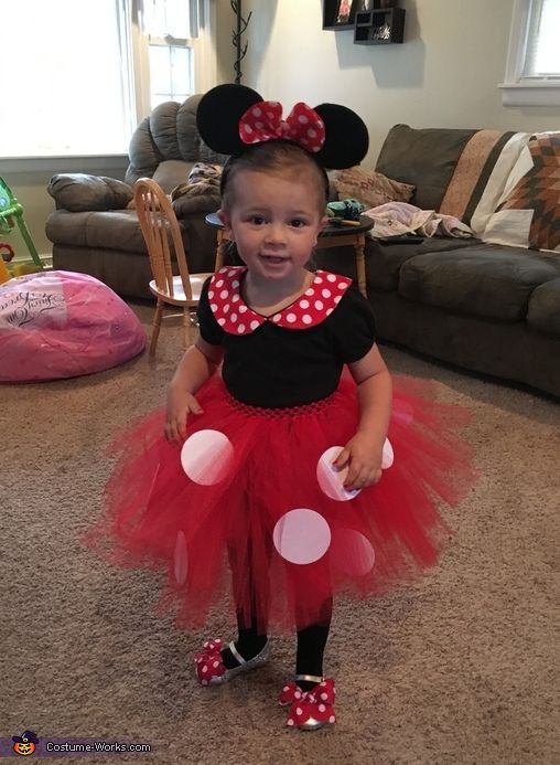 Gina: This is my daughter Ellie as her favorite character, Minnie Mouse! I made the tutu with a red headband elastic, red tulle and white felt. I made bows out of...