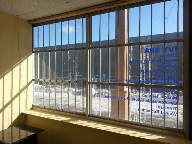 This well finished commercial unit is located near Oakville Place, Oakville Go, Oakville hospital , Sheridan college ,QEW/ Trafalgar Commercial space features : Large Windows for retail exposure 4 private rooms (can be used as offices/treatment rooms) Large waiting area/ lobby area 2pc wash room...