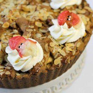 Deze FunCakes Sinterklaas marsepeinen decoraties zijn in Sinterklaastijd super leuk voor het versieren van cupcakes, taarten, speculaas en meer. FunCakes Marsepein Sint en Piet 4st - Sinterklaas - Thema's - producten | Deleukstetaartenshop.nl