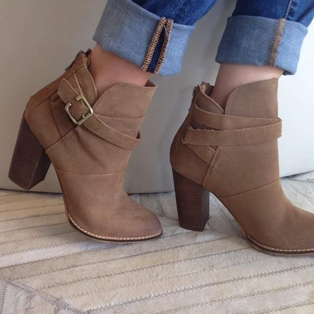 Cold weather calls for warm hearted boots.These Ugg Boots Outlet are so  cute and versatile!