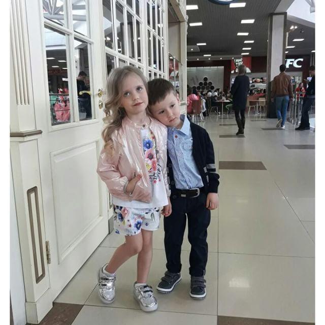 """#SilverSpoon - это повод для дружбы😇😉 На детях новая коллекция #SilverSpoonCasual, которая уже поступает в наши магазины и магазины-партнеры!👫 г.Краснодар, Мегацентр """"Красная площадь"""", ул. Дзержинского,д.100, 3 этаж    #краснодар #краснодар_дети #краснодар_детскаямода #краснодар_детскаяодежда #дети_краснодар #детскиймагазин_краснодар #магазиндетскойодежды_краснодар #детскаямода #одеждадлядетей #стильныедети_краснодар #краснодар_шопинг #краснодар_мода"""