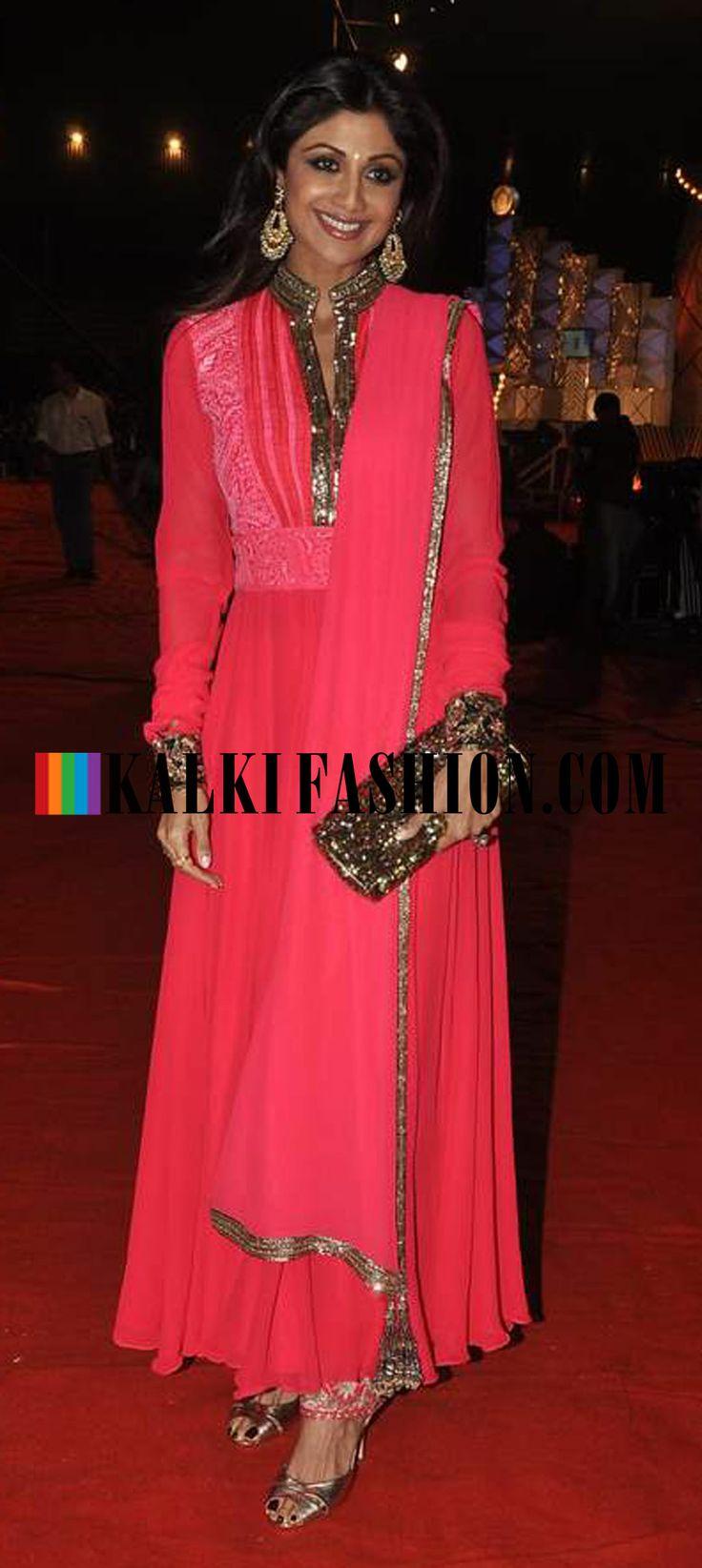 http://www.kalkifashion.com/ Shipla Shetty in pink Manish Malhotra's anarkali attends 2014 Umang Police Show