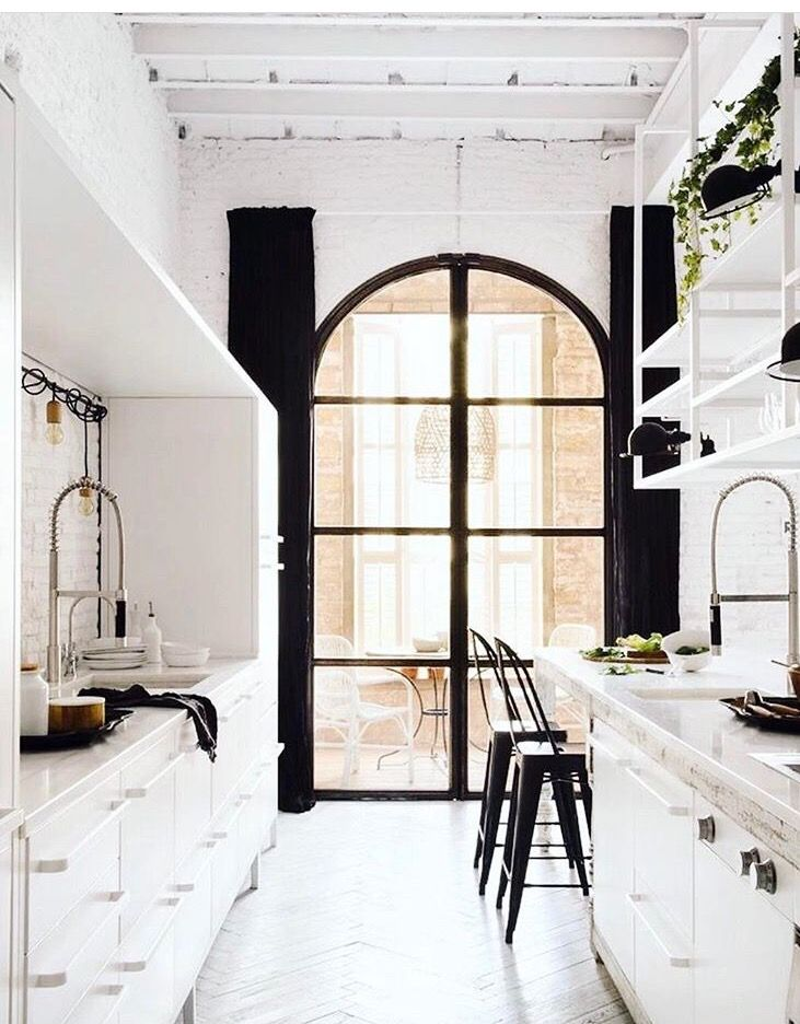 Gorgeous Kitchen That Arched Window Tho Home Dream House House Design